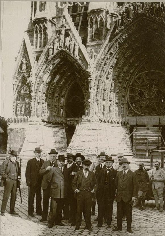 Le 26 septembre 1916 : mission parlementaire française (MM. Balande, Leredu, Groslard, Flayelle, Sixte-Quenin, Hub. Rougier, etc.)