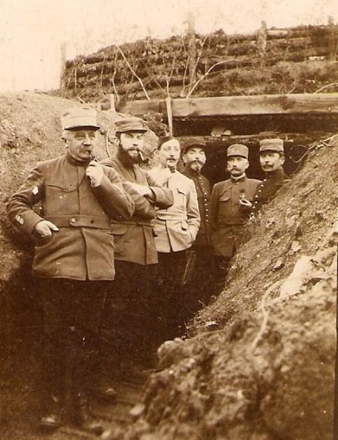 ob_167345_1915-05-05-officiers-a-l-entree-des-s