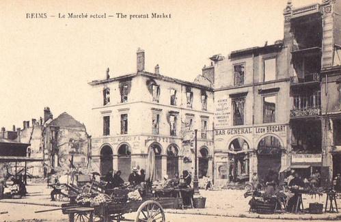 La place des marchés, actuelle place du Forum