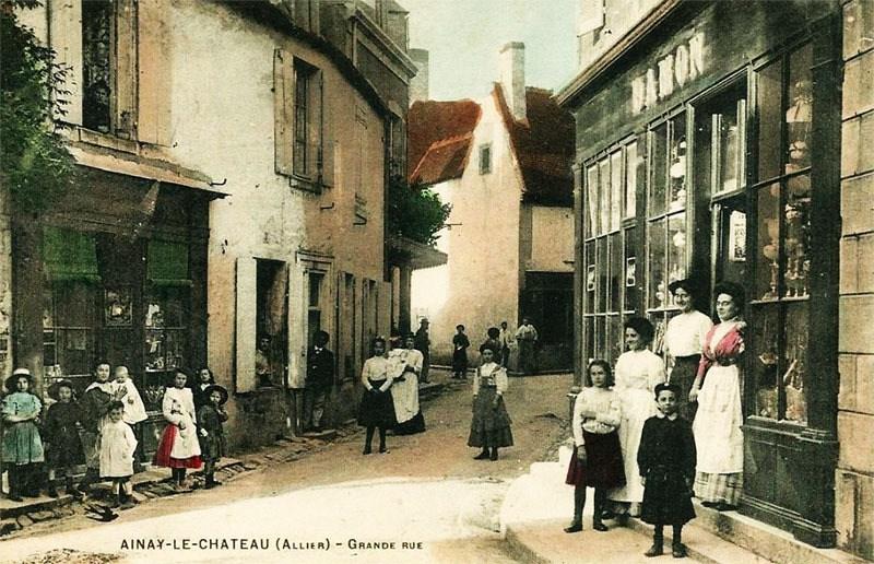 ob_f2c11f_ainay-le-chateau-2-grand-rue-800