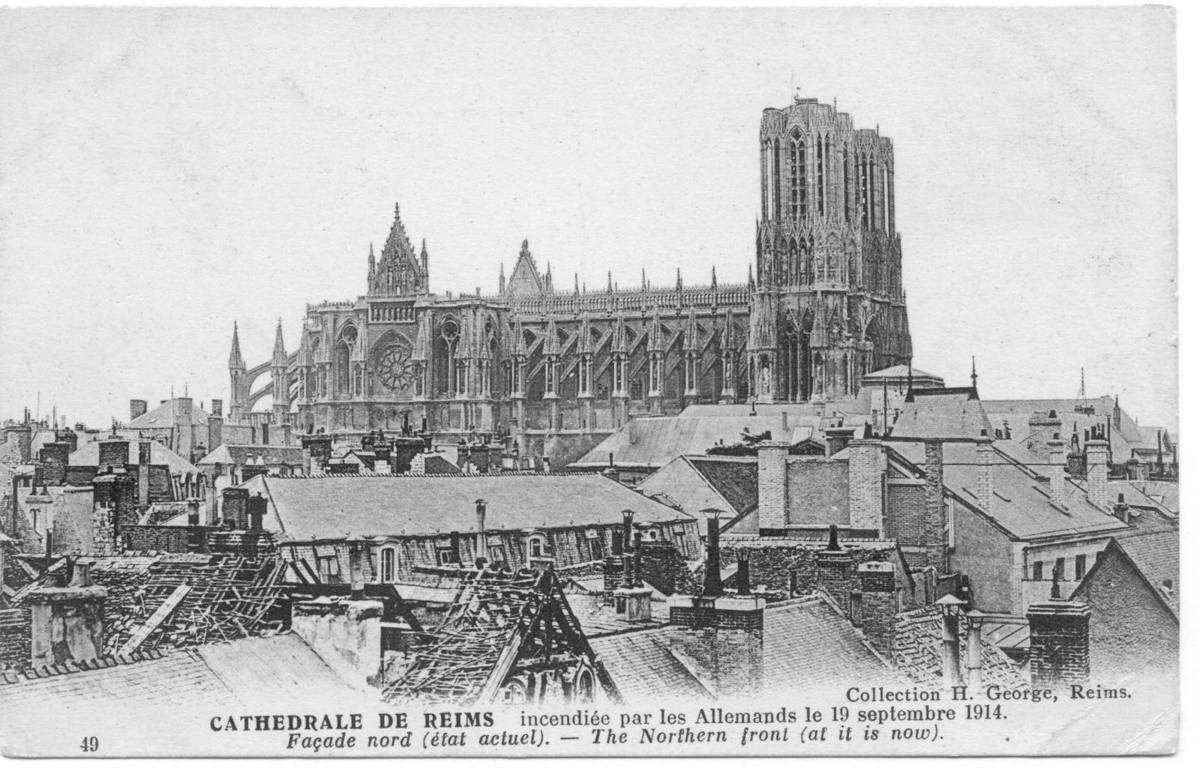 ob_865935_12-cathedrale-vue-des-toits